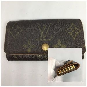 🔑AFFORDABLE🔑Louis Vuitton Key Case Holder